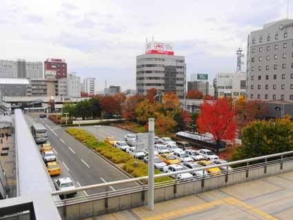 01東口駅前風景R1083359 (1).jpg