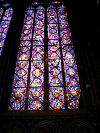 2 教会のステンドグラス.jpg