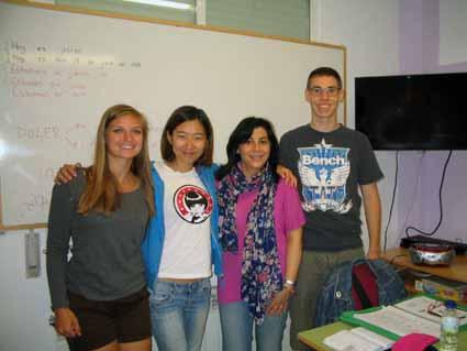 2同級生 左からアメリカ、中国、先生、ドイツ.jpg