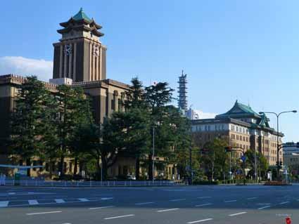 市役所と県庁.jpg