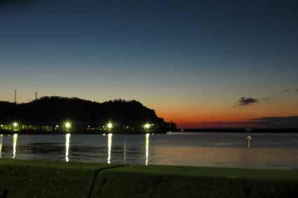 4、夜明け前の風景_0904_LI.jpg